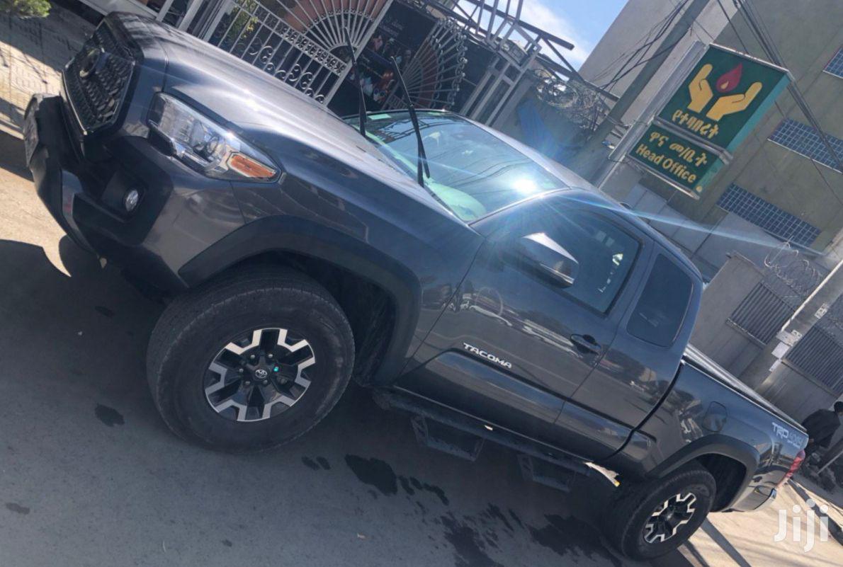 Archive: Toyota Tacoma 2018 Black