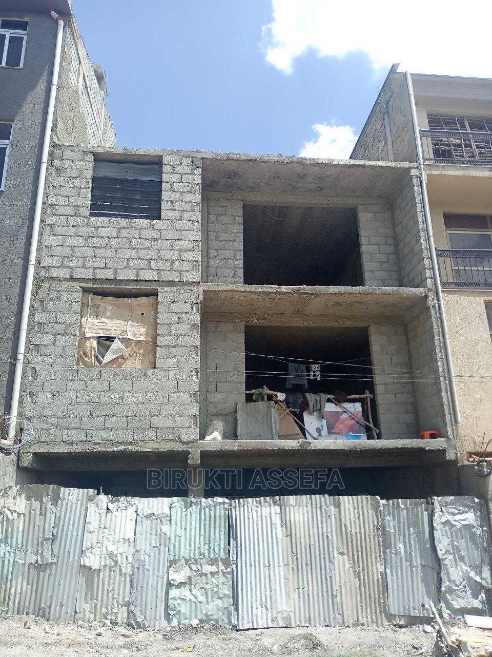 6bdrm House in Akaky Kaliti for Sale