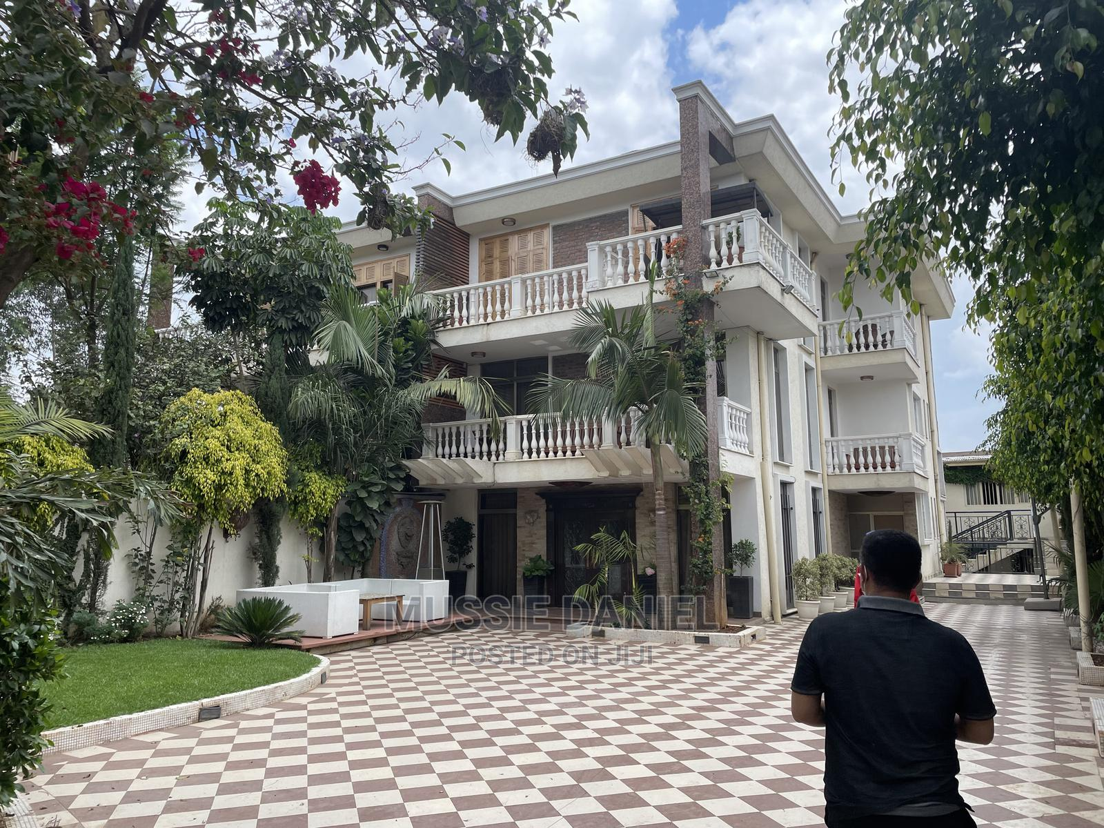 6bdrm House in Nifas Silk-Lafto for Sale