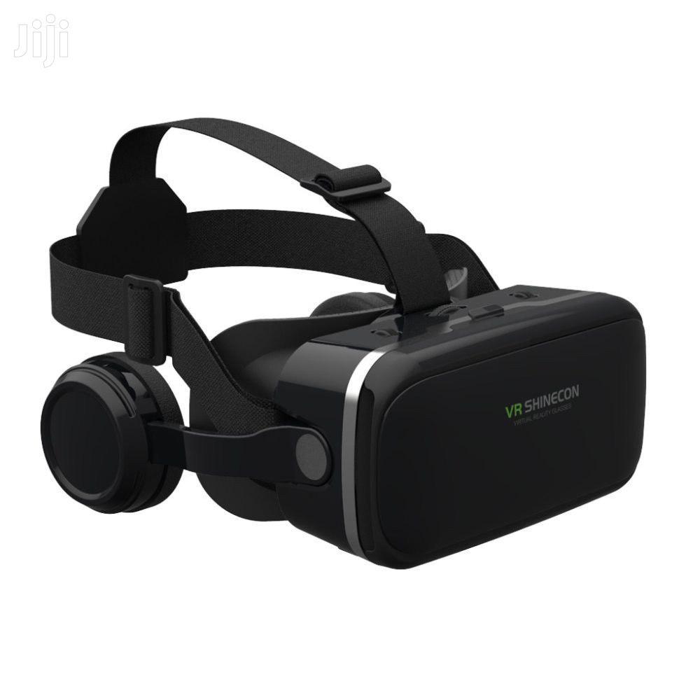 VR Headset With Joy Sticks